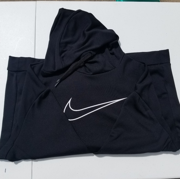 nike hoodie swoosh in the middle